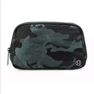 Lululemon NWT Wear Everywhere Belt Bag Camo Gator